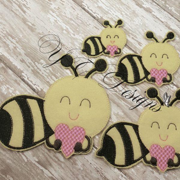 Bee Smily Heart feltie